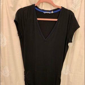 Athleta V Neck T-shirt Dress Black Medium